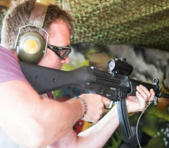 Stag using MP5 on the Assault rifle range