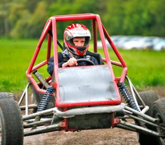 Driver in Rage Buggy handling some understeer