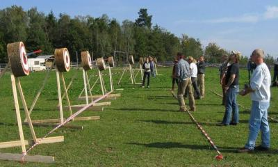 Knife throwing in Bournemoth